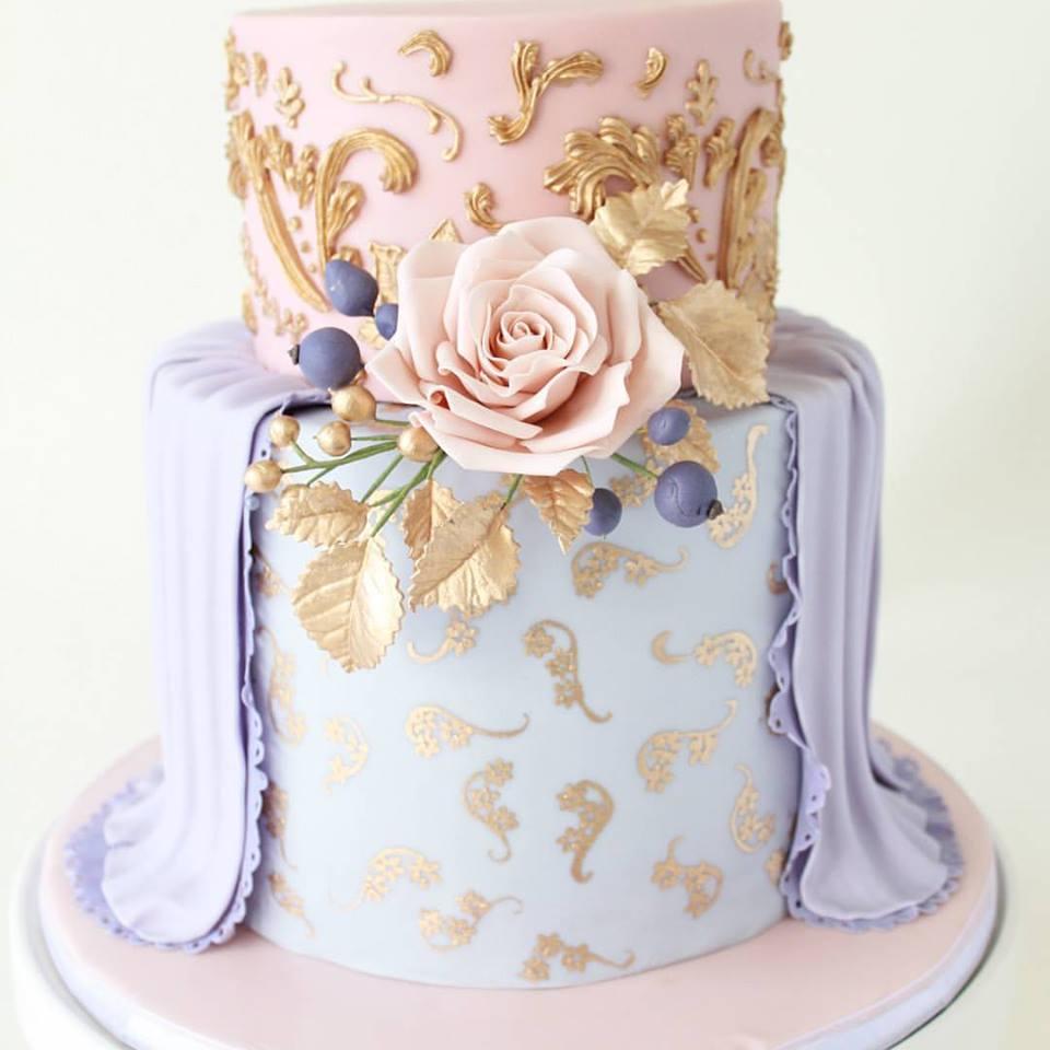 Gâteau Robe Pastel Doré